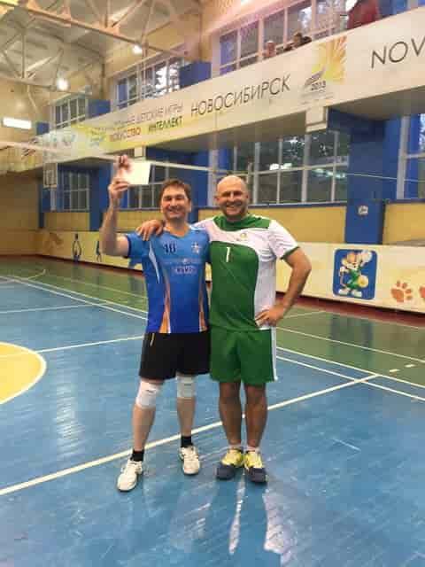 Участники волейбольного турнира